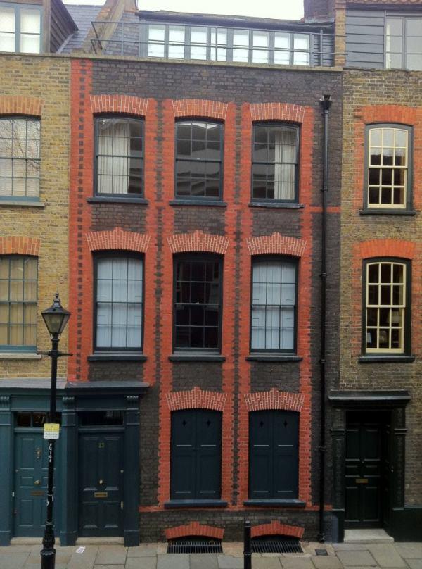 23_Fournier_Street,_London